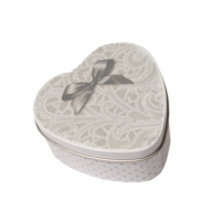 mathilde-m-scatolina-forma-cuore-forma-design