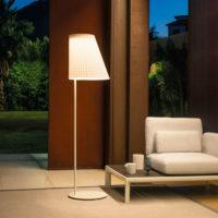 EMU-cone-lampada-ricaricabile-forma-design