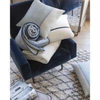 1037000056_PS2-forma-design-vivaraise-the-rug-republic-carpet-tappeti-asciugamani-towels-arredo-bagno-toilet-bathroom-accappatotio-cuscini-coperte-cushion-pillow-guanciale-plaid
