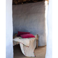 1302181000_PS3-forma-design-vivaraise-the-rug-republic-carpet-tappeti-asciugamani-towels-arredo-bagno-toilet-bathroom-accappatotio-cuscini-coperte-cushion-pillow-guanciale-plaid