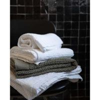 3047470000_PS2-forma-design-vivaraise-the-rug-republic-carpet-tappeti-asciugamani-towels-arredo-bagno-toilet-bathroom-accappatotio-cuscini-coperte-cushion-pillow-guanciale-plaid